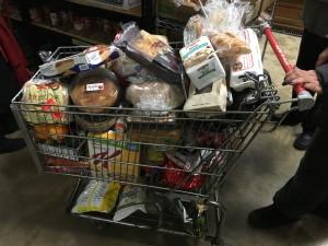 shoppingcartfullofdiversefoodseveryweek